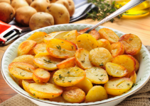 Easy-Oven-Roasted-Potatoes-Recipe1-696x471