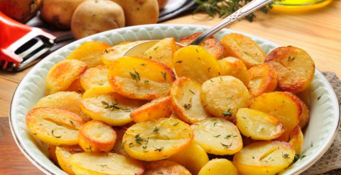 Easy-Oven-Roasted-Potatoes-Recipe1-696x471