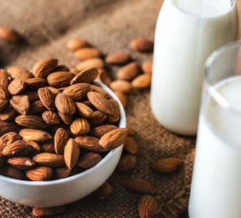 How to make almond butter in a blender