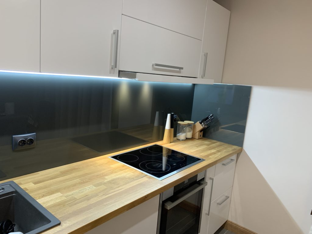 Picture of the Kitchen Worktop 3-min
