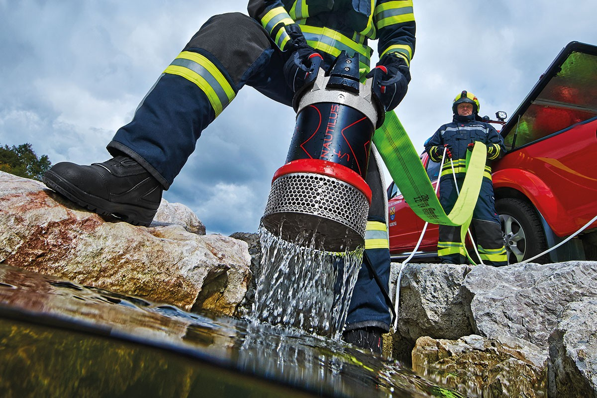 Everything-You-Need-to-Know-About-Submersible-Pumps